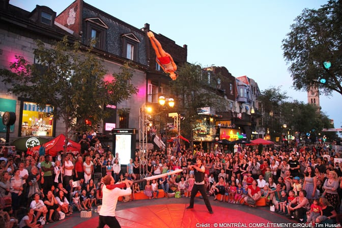 Street performers wow the crowd in Montreal